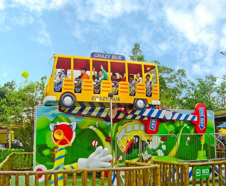 Une attraction que vous voudriez voir au Parc Du Bocasse ? CrazyBus01